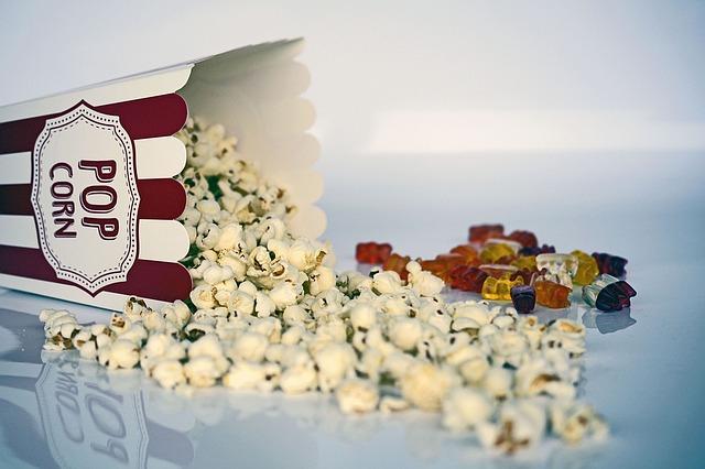 vysypaný popcorn