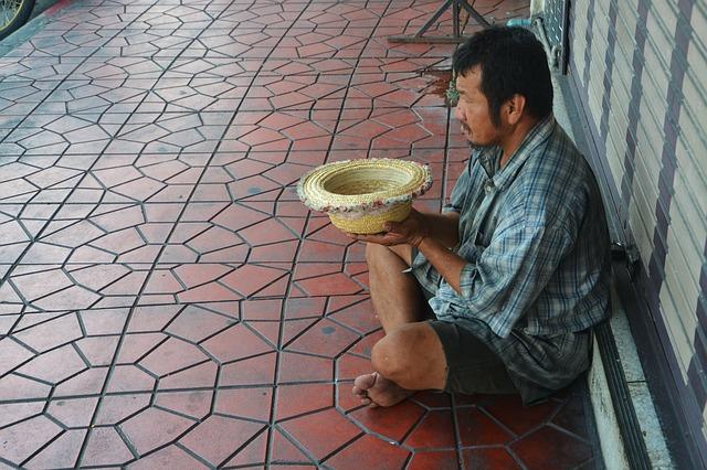 žebrák na ulici