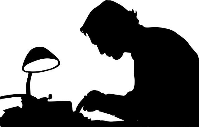 spisovatel silueta
