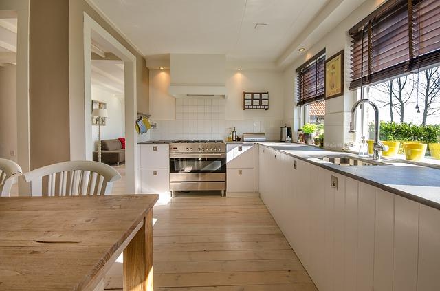 zrekonstruovaná kuchyně s velkou plochou