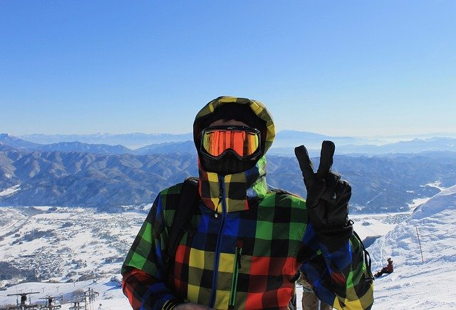 veselí lyžař