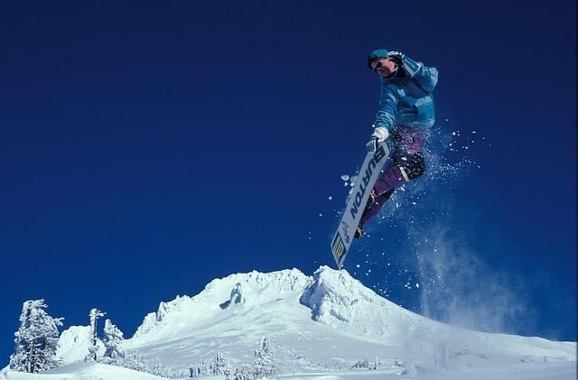 skok na snowboardu