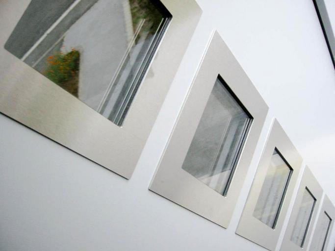 Štvorcové okná.jpg